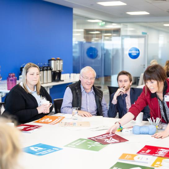 Private companies join forces with civil society in a round table workshop about the SDGs